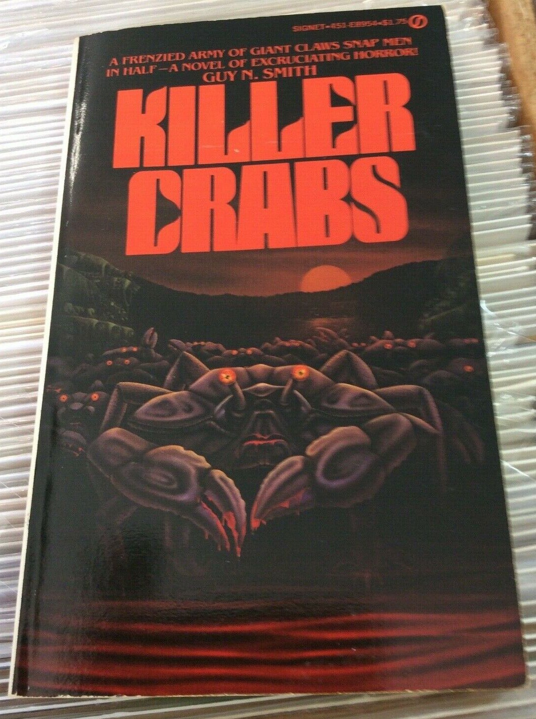 I love this variant cover of KILLER CRABS